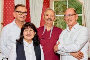 Teamfoto Kastanienhof Pforzheim, Vier Personen